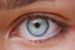 Efectos secundarios de tomar vitaminas oculares y suplementos minerales