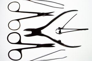 How to Cut Artificial Nails With Nail Clippers