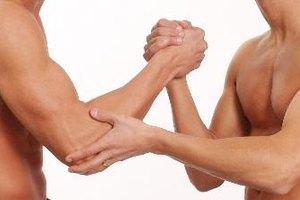 Síntomas de un músculo pectoral desgarrado