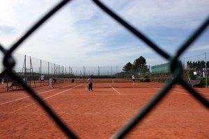Las partes de una cancha de tenis