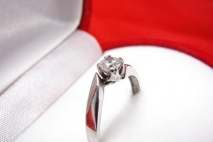 How to Identify a Platinum Ring
