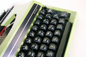 How to Get a Typewriter Ribbon to Move When Typing