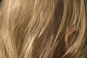 How to Use Apple Cider Vinegar And Baking Soda On The Hair