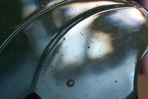How to Clean Burnt Glass Bakeware