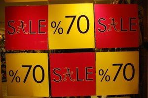 How to Buy Overstock Items From Department Stores