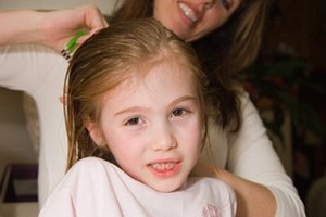 How to Cure Lice With Canola Oil