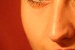 Cómo utilizar crema depilatoria en el rostro