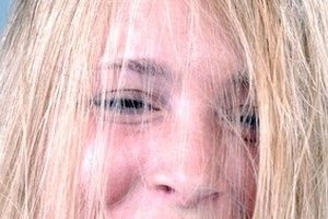 How to Prepare Hair for Hair Color Bleach