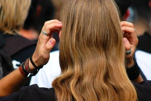 Step by Step Guide to Micro Loop Hair Extensions