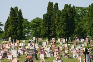 How to Do a Graveside Service for a Stillborn Miscarriage