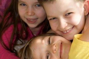 ¿Qué provoca el parpadeo en los niños?