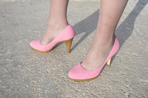 How to Clean Pink Suede Shoes