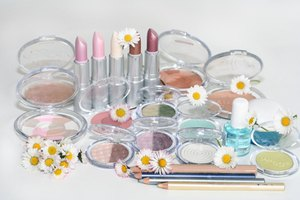 How to Make Cosmetic Gift Sets