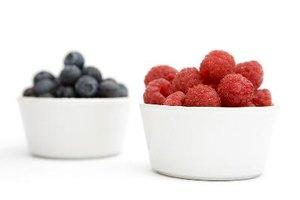 ¿Cuáles son los beneficios de salud de las frambuesas y los arándanos?