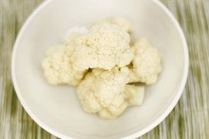 How to Boil Cauliflower on the Stove