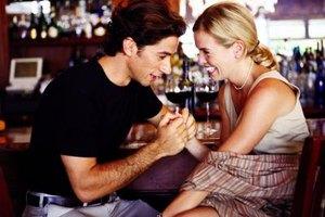 Using humor increases the liklihood of a long-term relationship.