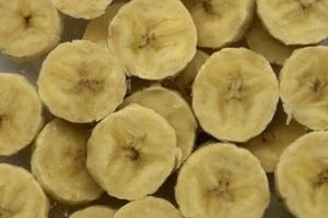 Sliced bananas brown quickly, unless they're dipped in lemon juice or other acids.