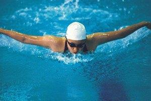 ¿La natación te hace adelgazar?