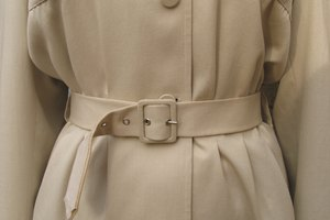 The Right Time to Wear a Trench Coat