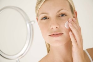 What Is the Difference Between Glycolic Acid Peels & TCA Peels?