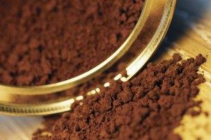 ¿Puede la cafeína causar vómitos?