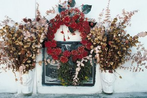 How to Make Graveside Wreaths