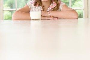 ¿Pueden tomar los niños proteína de suero de leche en polvo?