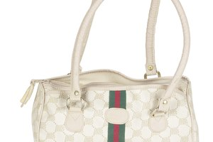 How to Tell If a Gucci Purse Is Authentic