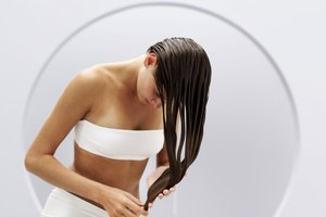 How to Remove Silicone Products From Hair