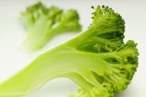 ¿Cuál es el valor nutricional del brócoli cocido?