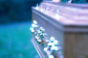 In Funeral Etiquette, Who Are Pallbearers?
