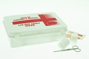 How to Make a First-Aid Kit for a College Dorm