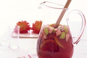 How to Make Sweet Sangria