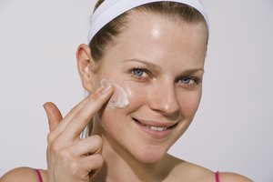 The Best Thing to Put on Your Face After Pixel Laser Treatment