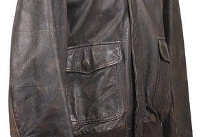 Cómo arreglar una chaqueta de cuero resecada