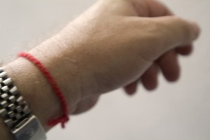 How to Tie a Kabbalah Red String
