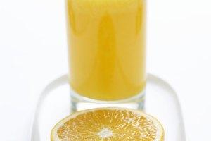 ¿Es el zumo de naranja es bueno para una garganta irritada?