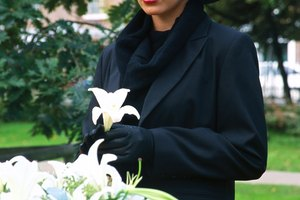 Hat Etiquette for Women at Funerals