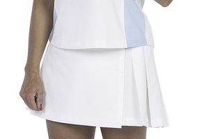 Cual es la vestimenta apropiada para el tenis?