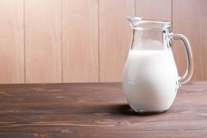 How to Substitute Buttermilk for Evaporated Milk