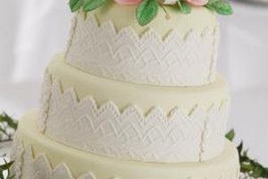 Fondant-covered wedding cakes stay fresh outside of the refrigerator.