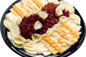 Cheese plates make for a quick and tasty cold appetizer.