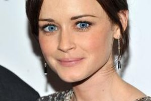 "Alexis Bledel sports clump-free lashes at the ""The Conspirator"" Premiere in New York City."