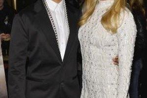 Wear a textured white dress like Kate Hudson's with sky-high heels.