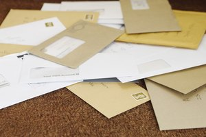 Etiquette on Addressing Envelopes With a Suite Number