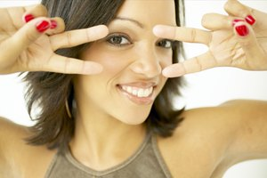 How to Get Rid of Oily Skin Near the Eyes