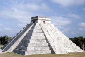 What Are the Similarities Between Mayan and Aztec Religious Beliefs?