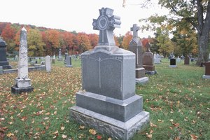What Should I Write on a Cemetery Marker for a Mother?