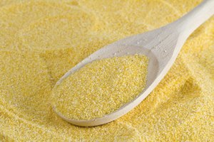 Differences in Cornmeal and Breadcrumbs