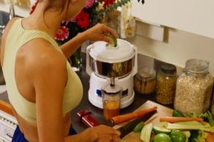 Electric juicers are the quickest way to extract juice from fruits and vegetables.